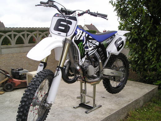 2011/05 - 125 yz monster